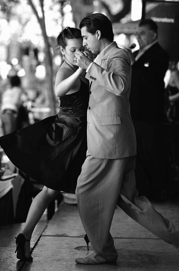 Черно белые фото танцующих людей хорошего качества