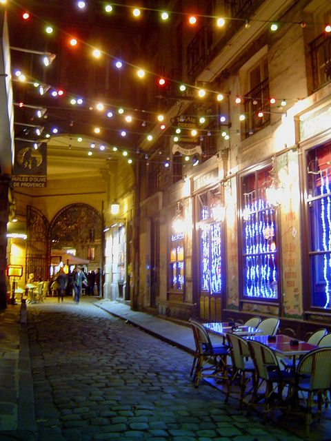 Paris - passage St-André - OMG, had dinner with my husband here in that same cafe on the night of music, June 21st.  Lovely, just lovely