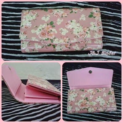 Nama  Produk : Dompet Pink Flower Harga : 60rb Ukuran   : 20cmx35cm Bahan : Kulit Sintetis Bentuk Dompet : Lipat 3 ,1 slotfoto, 3 slotcard
