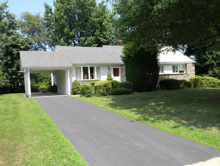 Home for sale at 402 Harvard Ave Broomall, PA 19008 in Delaware County, more info here: http://www.anthonydidonato.net/wordpress/2017/07/21/home-sale-402-harvard-ave-broomall-pa-19008-delaware-county/