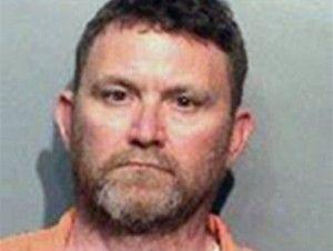 Acusan hombre blanco de matar a dos policías dentro de patrulla en EE.UU.