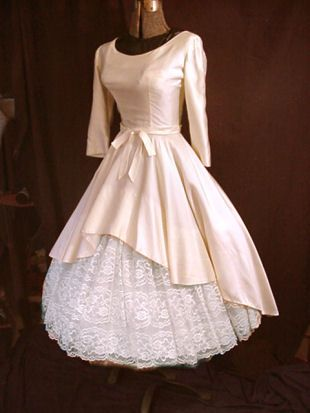 -: 1940 S, Vintage Gowns, Vintage Wedding, Clothing, 30S Fashion, Vintage Dresses, Brides Dresses, 30 S Fashion, Satin Dresses