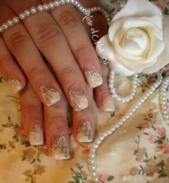 Ongles de bal avec lacets Création de Rose et Noir Nail Art et blog beauté. Si vous voulez voir d'avantage de photos de mes réalisations, visitez-moi sur roseetnoir.ca ou abonnez-vous à mon pinterest : marilynroseetnoir