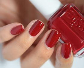 Essie seasons come sooner than the real seasons, but I'm ok with that :)