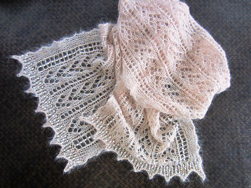 Ravelry: free pattern -  Larisa pattern by Karie Westermann