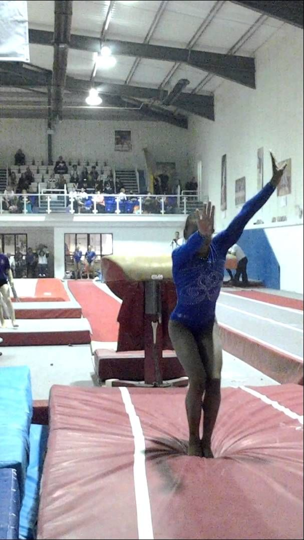 Dang! Rebeca Andrade's Amanar is looking amazing! She scored a 15.7 with this vault (out of 16.3 possible). And she's only a junior, guys, only a junior...