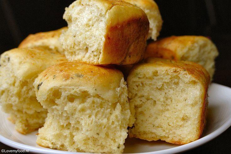 Knoflookbroodjes met Parmezaanse kaas