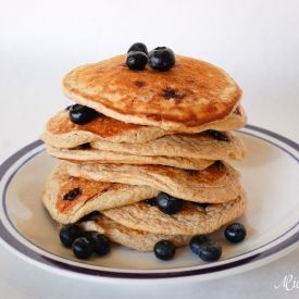 These healthy blueberry pancakes are made from oats, banana, and cottage cheese - the perfect alternative to regular starchy pancakes.