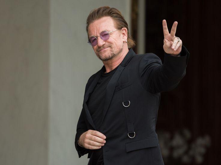 """U2-Frontmann Bono macht sich Sorgen um den Zustand der Pop-Musik. Der Mainstream sei """"ziemlich mädchenhaft"""" geworden, meint er. Ob das einen Shitstorm gibt? Ob sich U2-Sänger Bono (57, """"Beautiful Day"""") da einen Shitstorm einfangen wird – oder doch eher eine..."""