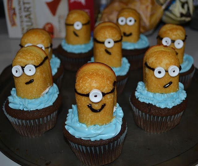 minion twinkie cupcakes in honor of despicable me!