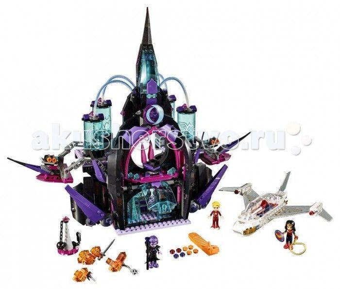 Конструктор Lego Супергёрлз Бэтгёрл Тёмный дворец Эклипсо 1078 элементов  Конструктор Lego Супергёрлз Бэтгёрл Тёмный дворец Эклипсо 1078 элементов 41239 состоит из множества пластмассовых деталей разных форм и цветов. Ребенок будет увлечет сборкой сказочного замка с подвижными элементами и самолета оригинального дизайна. В комнаты здания и цилиндрические отсеки помещаются персонажи игры - фигурки супер-героев.  У собранного самолета прозрачная кабина. В кабину самолета можно помещать фигурку…