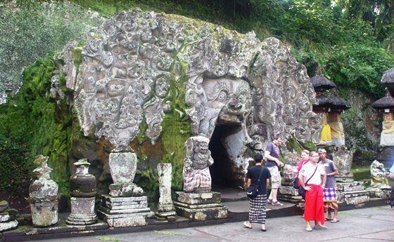 Travel To Goa Gajah, Bali
