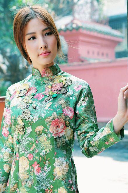 Diễm My 9X đẹp tinh khôi với áo dài xưa - VnExpress Giải Trí