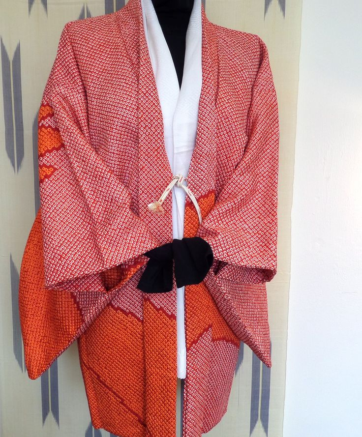 """H155 Stunning Japanese pure silk haori jacket;rare red/orange bold """"Tuscany"""" design Shibori ;hand tailored authentic sophisticated ;M/L by LizzieHuxtable on Etsy"""