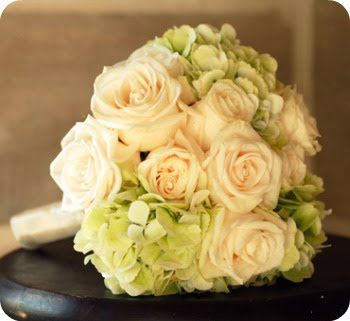 Hydrangia rose bouquet: Cocoa Chu, Bridal Bouquets, White Rose, Green Hydrangeas, Wedding Bouquets, Google Search, Bride Bouquets, Rose Bouquets, Rose Wedding