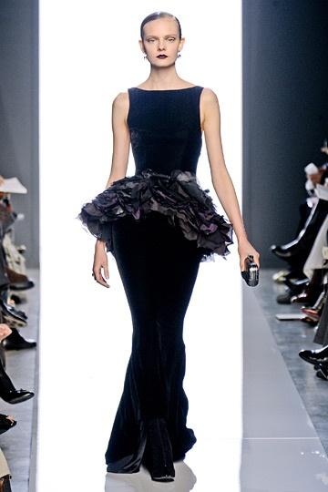 I dislike peplum skirts, but this one works. (Bottega Veneta Fall 2012)