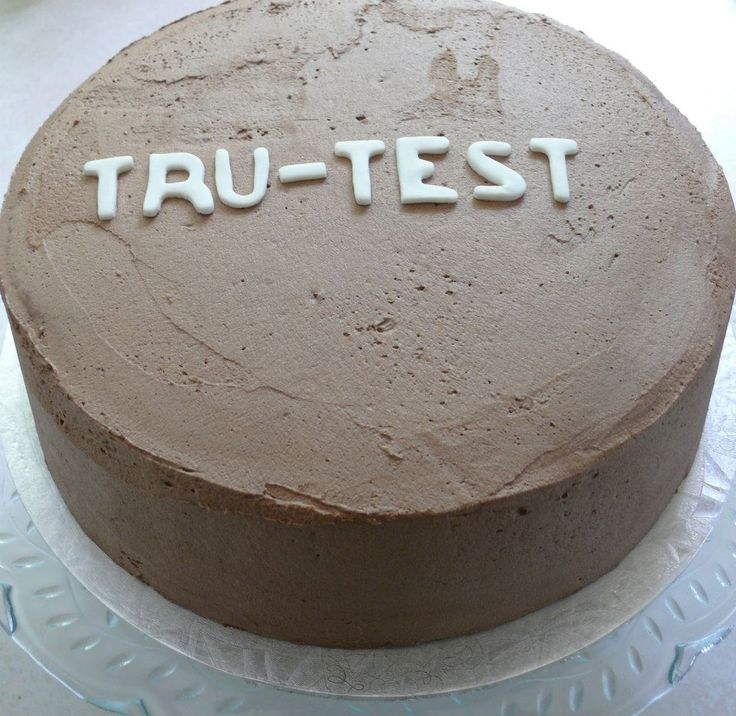 This is a gluten-free 4-layer moist chocolate mud cake. The filling was a dark chocolate ganache, and it is covered with a chocolate buttercream. The buttercream was put on thinly due to the richness of the cake.