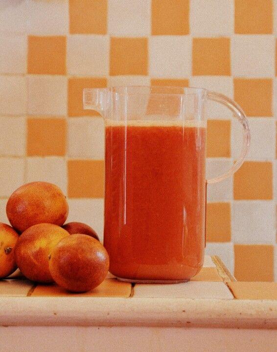 Freshly squeezed #orangejuice @ #TheDinerFlorence.