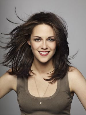 Ugh why Kristen Stewart? Like this idea for medium hair style. More layers around and side swept bangs