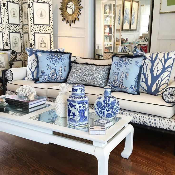 """44 Likes, 4 Comments - Highpoint Home (@highpointhome) on Instagram: """"Chinoiserie Chic #chinoiseriechic #blueandwhiteforever #lelac #instadesign"""""""