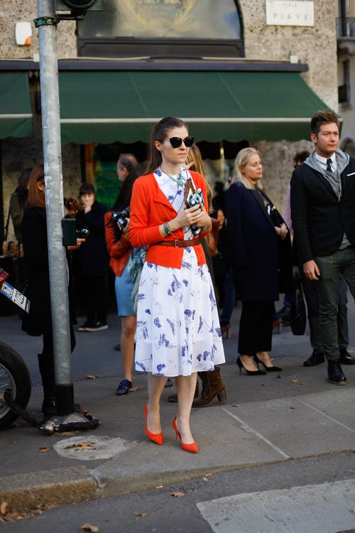 tangerine and lavender: Colors Pop, Summer Dresses, Orange Cardigans, Milan Fashion Week, Street Styles, Pretty Birds, Milan Street Style, Style By Al, Blue And White