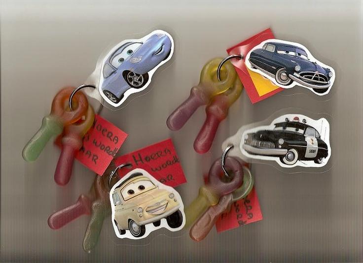 Google Afbeeldingen resultaat voor http://mirandasborduurhoekje.punt.nl/upload/cars_traktatie1.jpg