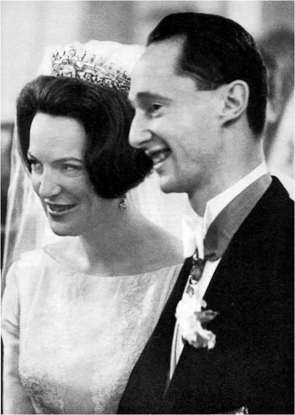 The Royal Order of Sartorial Splendor: Wedding Wednesday: Princess Irene's Gown