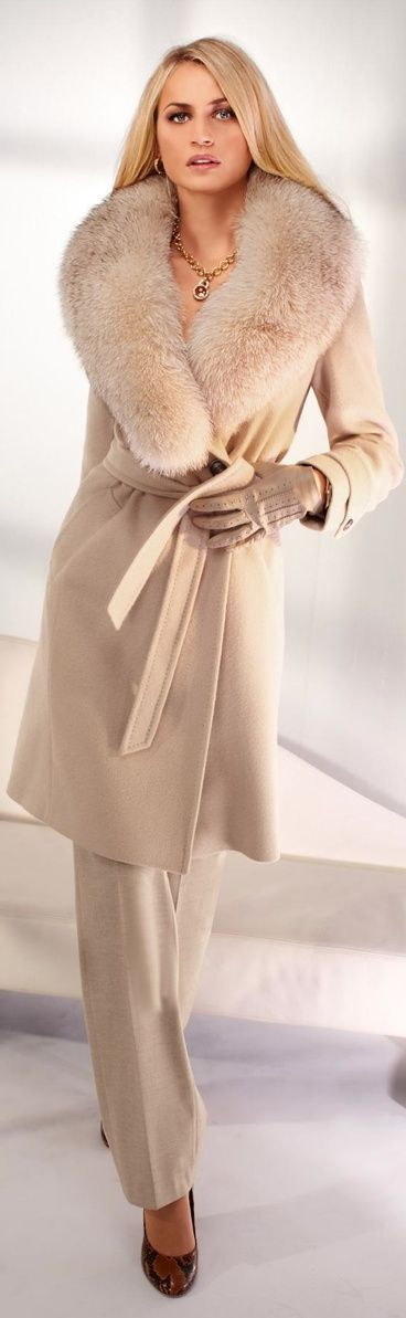 Gorgeous camel color jacket with fur collar