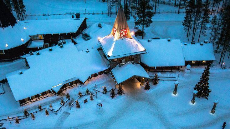 El Pueblo de Papá Noel Santa Claus en Laponia desde el aire - Finlandia ...