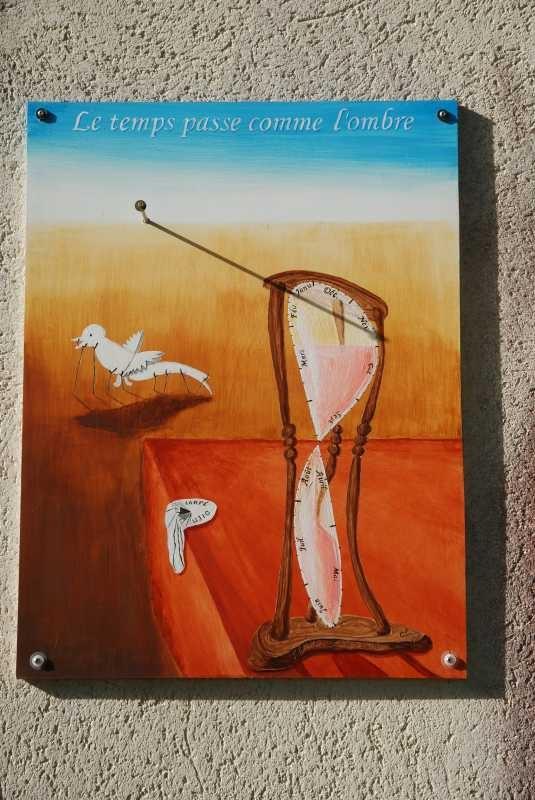 Cadrans solaires hommage salvador dali le temps horloge cadran solaire montre - Peinture qui cache les defauts ...