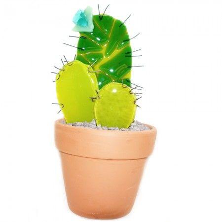 3 Groene glazen cactussen in pot. Handgemaakte decoratie van glas.
