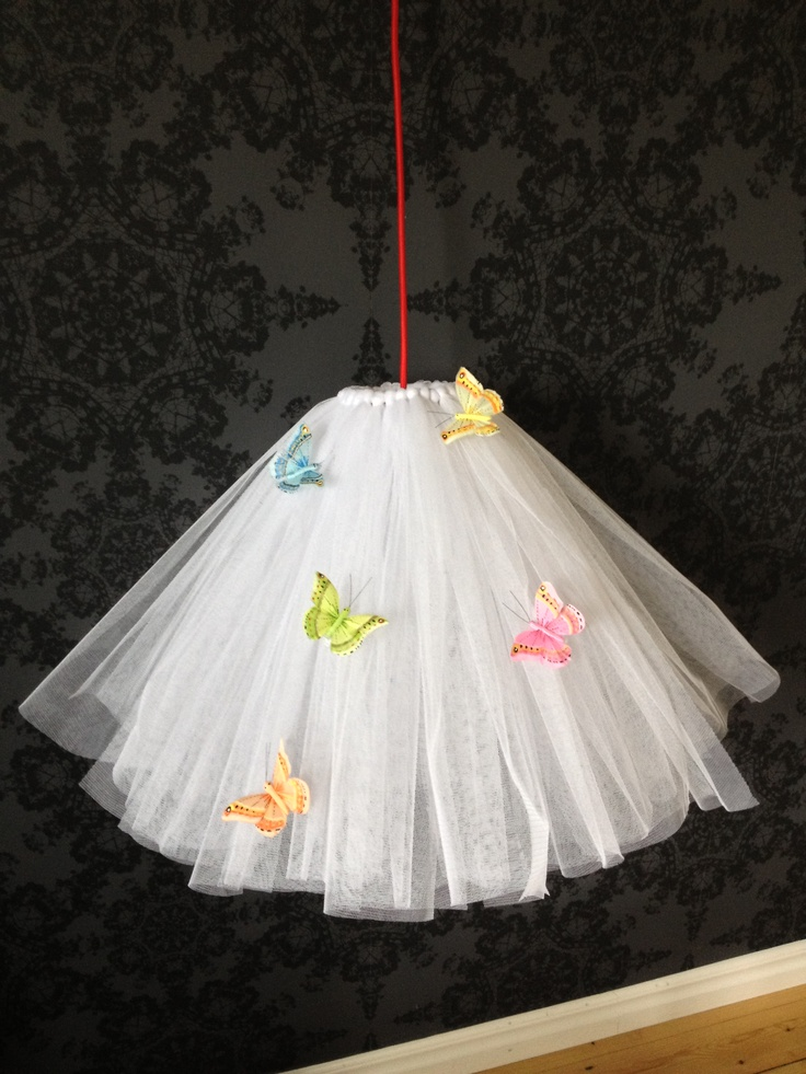 Tulle lamp with butterflies