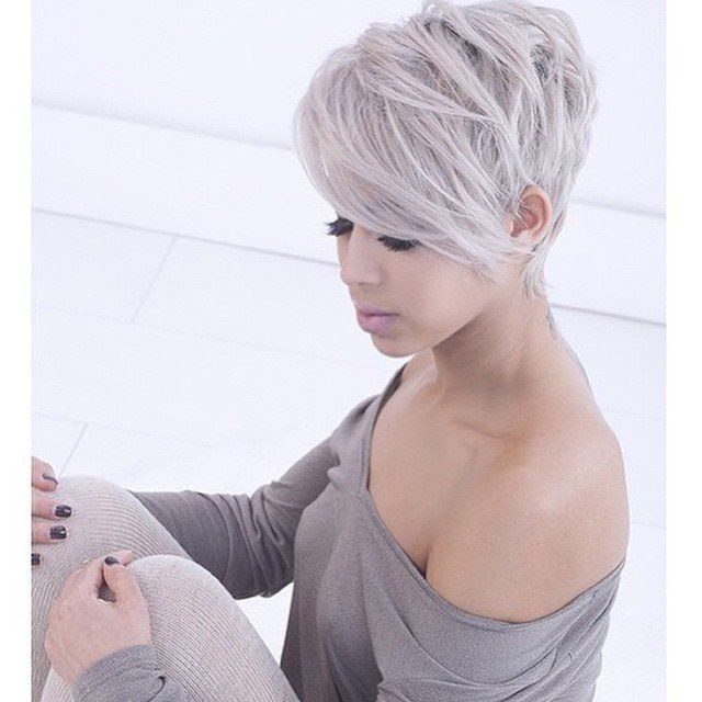 Silber haarfarbe  Die besten 25+ graue Blondine Ideen auf Pinterest | Graue blonde ...