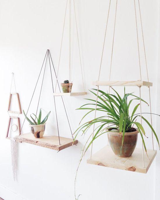 On a tous des plantes chez nous. Mais une fois que l'espace au sol est épuisé, ces suspensions, à faire soi-même, sont les meille...