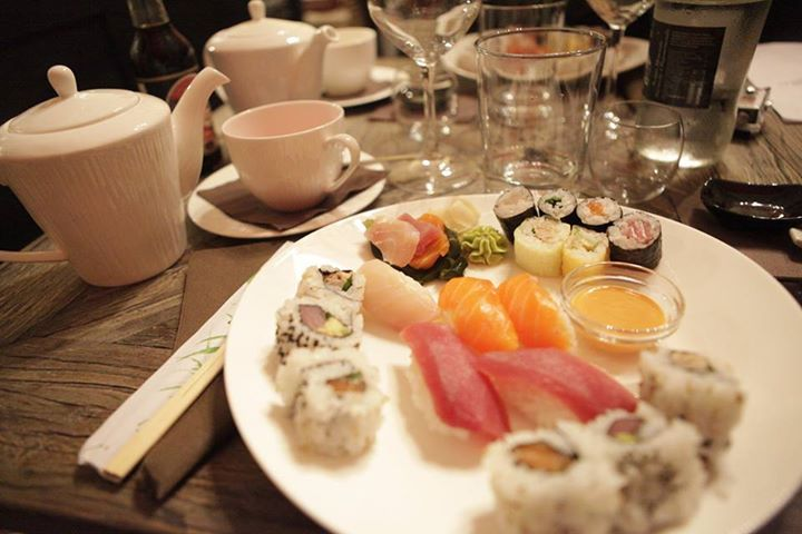 Uramaki, Futomaki, Sashimi e Oshizushi