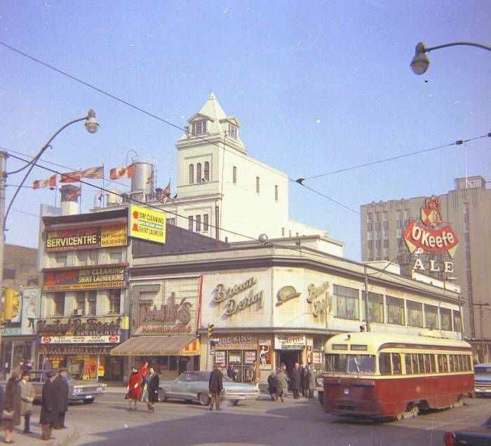 The BROWN DERBY at the northeast corner of Yonge and Dundas Streets circa 1960's.