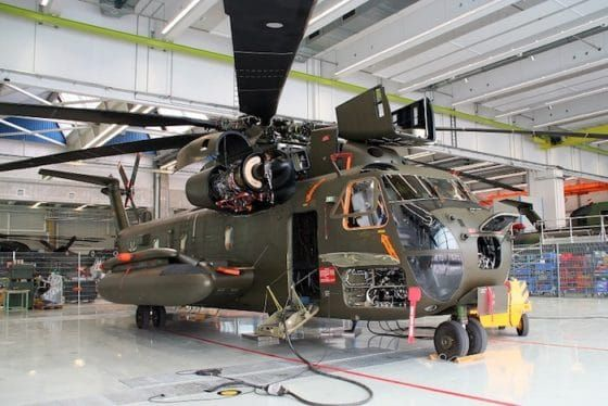 "Bundeswehr entrusts the modernization of its CH-53s to Airbus  Airbus will actually ""retrofit"" 26 aircraft. It is essentially a question of replacing equipment which has become obsolete and which is no longer available on the market by modern equipment. The Sikorsky CH-53 Stallion transport helicopter from the Bundeswehr in the Airbus Helicopters workshop in Donauworth. © Airbus Helicopters"