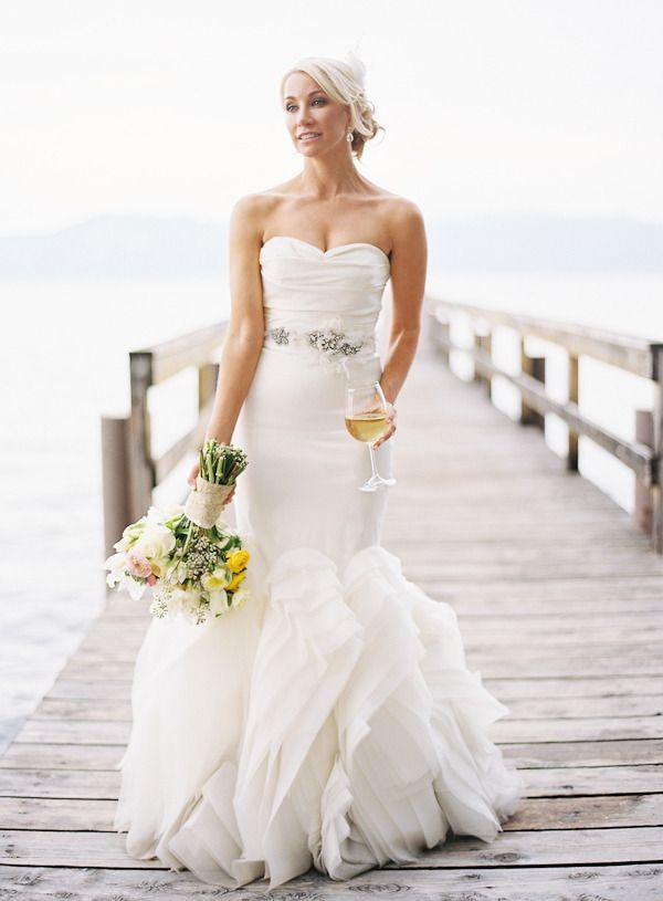 Vestido de novia .....Vera Wang design. Beautiful.