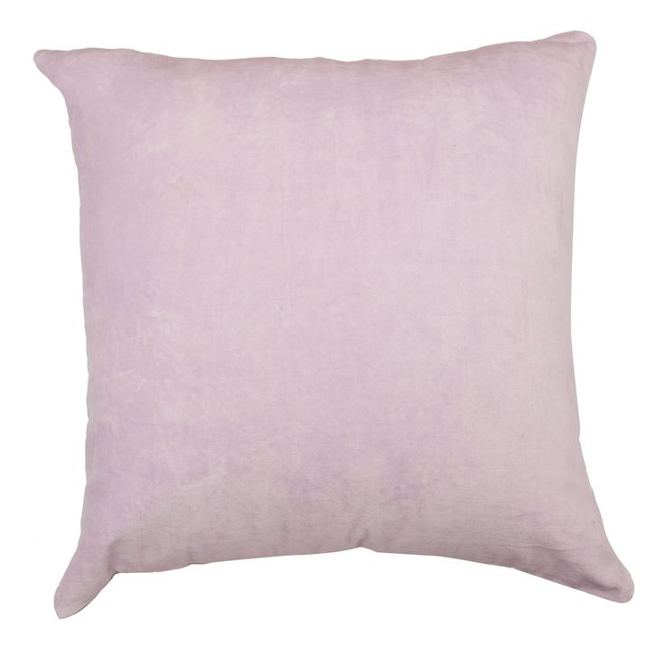 Velvet cushion in parfait pink