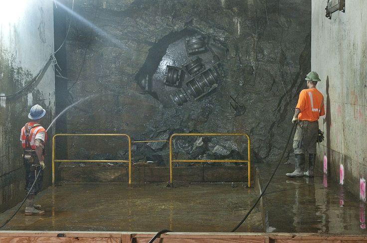 SAS 6842 (6172980957) - Tunnelbohrmaschine – Wikipedia