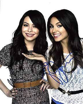 NICKELODEON GIRLS (Victoria Justice & Miranda Cosgrove) 8x10 Cast Photo Signed In-Person for USD125.00 #NICKELODEON Like the NICKELODEON GIRLS (Victoria Justice & Miranda Cosgrove) 8x10 Cast Photo Signed In-Person? Get it at USD125.00!