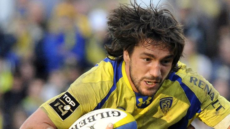 Here is live rugby stream http://www.superrugbyonline.net/ 14 Orange tournament the two world best teams La Rochelle vs Grenoble are going to play against each other at 17:00 local, 16:00 GMT Time, On 28th December 2014 this match will be played at La Rochelle
