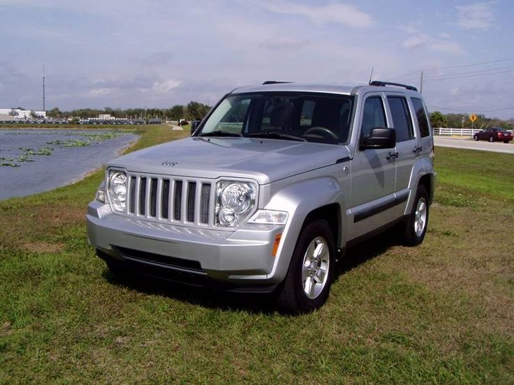 One owner 2011 Jeep Liberty Sport 4×4