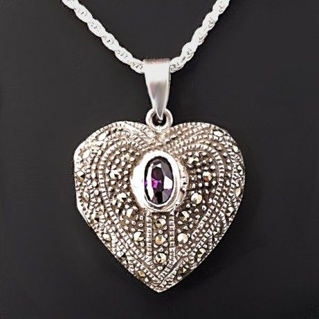 Bellísimo Relicario en forma de corazón fabricado en plata de 925 repujado y decorado con hermosas marcasitas y una piedra natural de amatista ovalada