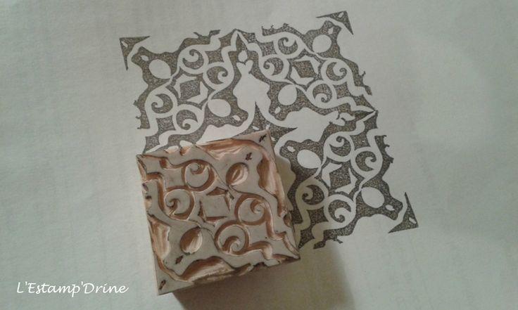 Défi gravure 6/12: Tampon Mosaïque gravure sur gomme par l'estampdrine