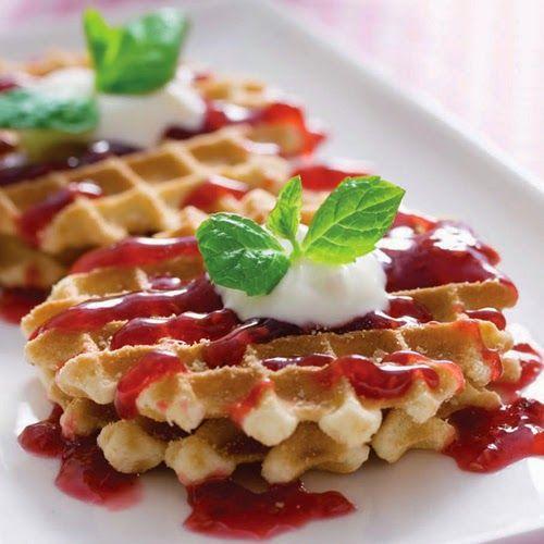 **Waffle **Belçika Mutfağına ait Waffle hamurunun üzerinde sevdiğiniz tatları birleştirerek farklı lezzetler ortaya çıkarmak mümkün çünkü waffle yaratıcılığa açık bir lezzet…  http://www.dostmutfakyemektarifleri.com/2014/04/waffle-tarifleri.html