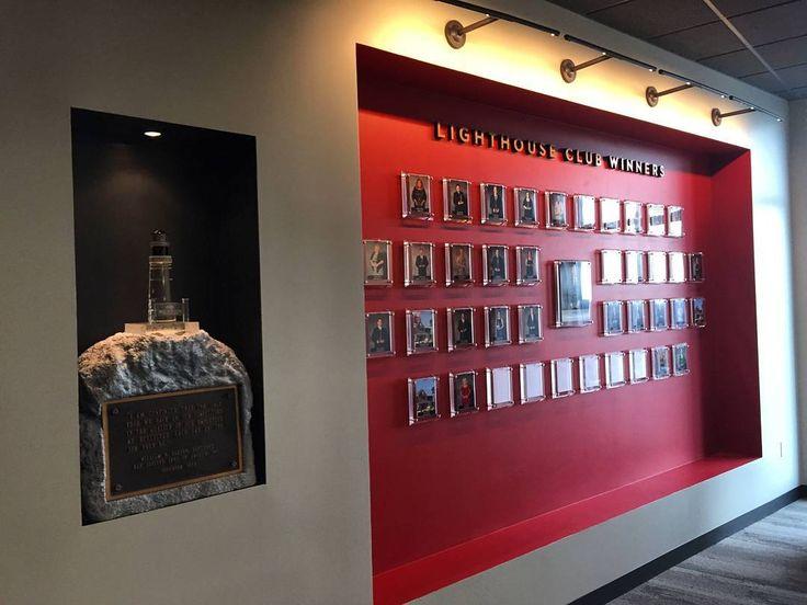 We are making a difference every day with great companies around the world!  This is Red Lobster's Awards Wall of Fame in Orlando  Looking for a way to make a difference within your company?  Contact us at FineAwards.com  Concepts are free!