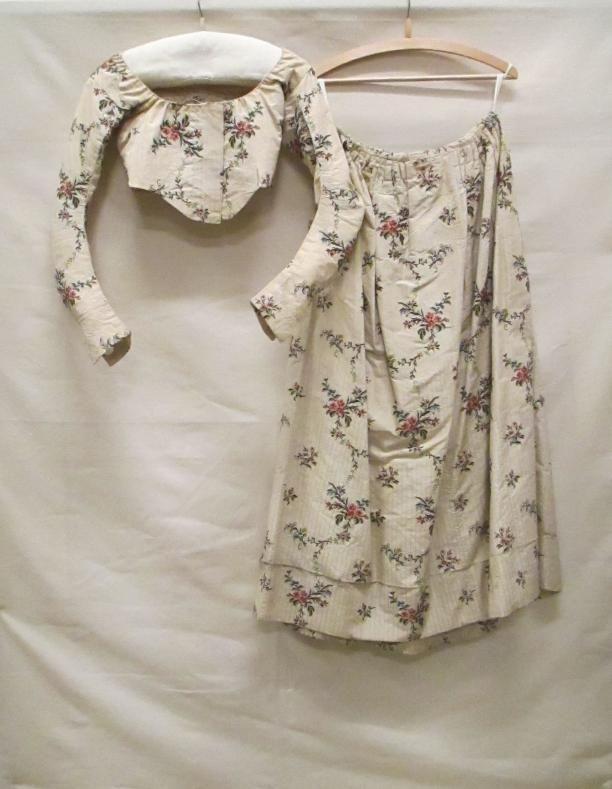 robes à la française japonnen vrouwenkleding | Modemuze ca.1775-99