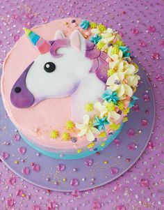 DIY Unicorn Emoji Cake - Party Pieces Blog. Ideal for a unicorn themed birthday party or baby shower