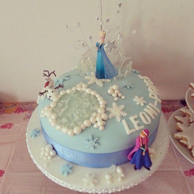 Disney Frozen Cake Decorations Uk : 139 best Frozen (Disney) Cake & Cookie Ideas images on ...